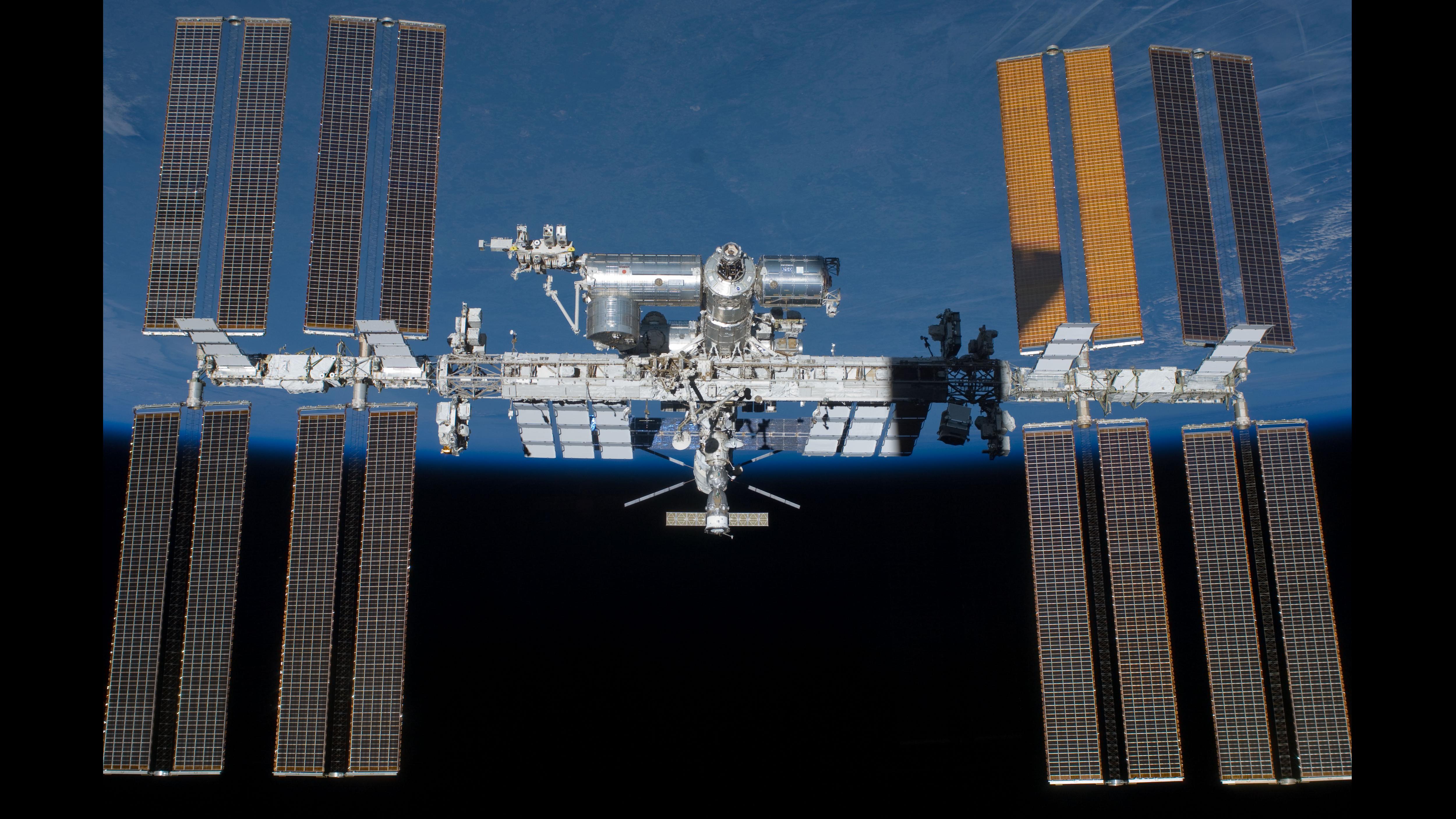 DLR Presse Portal - Presse-Informationen - Funken mit der ISS: Der ...