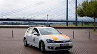DLR%2dTestfahrzeug FASCarE vor der Rheinkniebrücke