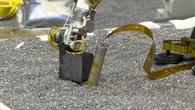 Test des InSight%2dArm, wie dieser auf den Marsboden drücken wird