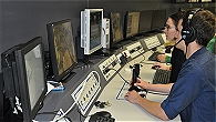 Steuerung des Roboters in allen 6 Freiheitsgraden erfolgt während der Zentrifugenfahrt mittels Joystick.