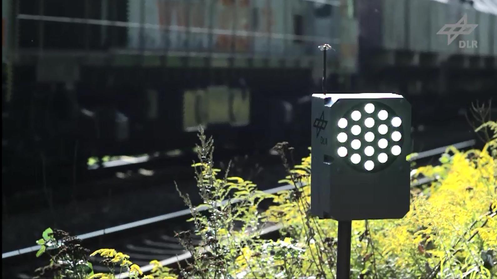 PeriLight: Blitzlicht zur Blicklenkung an Bahnübergängen