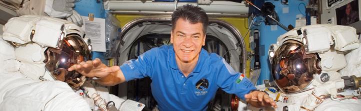 Paolo Nespoli wird das Experiment, an dem Schulklassen mitwirken können, auf der ISS durchführen. Hier ist er bei einem früheren Flug zu sehen. Bild: NASA