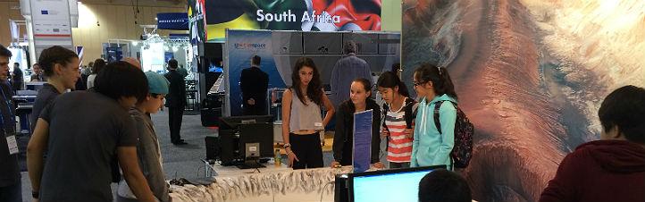 Schülerinnen und Schüler bei einem der letzten IAC-Treffen. Bild: DLR (CC-BY 3.0)