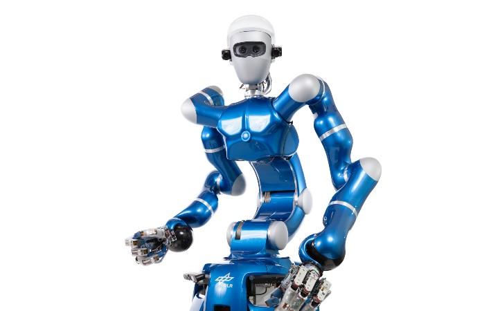 Das ist unser DLR-Roboter Justin. Er lädt euch zu einer großen Mitmach-Aktion ein!
