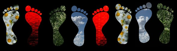 Ihr könnt auch euren Fußabdruck ausmalen. Seid kreativ und denkt euch etwas Schönes aus! Bild: DLR