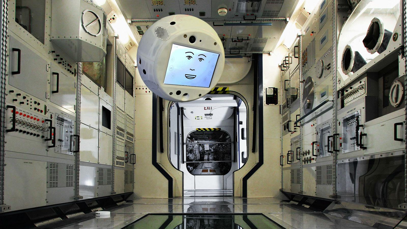 Wie auf dieser Fotomontage im Simulator schwebte der Astronauten-Assistent CIMON durch die ISS. Bild: Airbus
