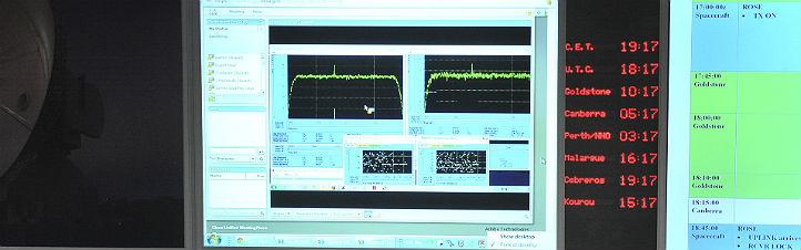 """Diese Signale der Rosetta-Sonde wurden am 20. Januar 2014 empfangen: Nach 31 Monaten im energiesparenden """"Tiefschlaf"""" war die Sonde pünktlich zur Annäherung an den Kometen aufgewacht. Bild: ESA, Jürgen Mai."""