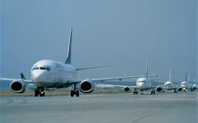 Damit die vielen Flugzeuge sicher starten und landen können, gibt es strenge Regeln, an die sich alle halten müssen. Bild: Airbus
