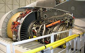 Moderne Flugzeug-Triebwerke wie hier beim Airbus A380 sind zwar schon sehr sparsam. Die Triebwerke von morgen sollen aber noch weniger verbrauchen. Bild: Airbus
