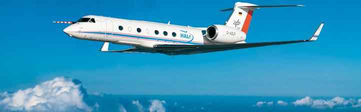 Das DLR-Forschungsflugzeug HALO kann über 15.000 Meter hoch fliegen und Messungen in der Wetterschicht unserer Atmosphäre durchführen. Bild: DLR