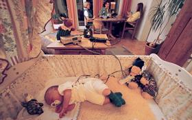 Ein Baby mit Telemedizin-Anzug und Sender. Bild: DLR