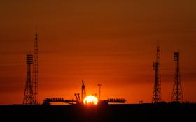 Die Startanlagen in Baikonur bei Sonnenaufgang. Bild: NASA (B. Ingalls)