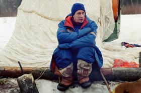 """Der belgische ESA-Astronaut Frank De Winne beim Überlebenstraining im russischen Winter. Sein Kommentar: """"Die Kälte war das Schlimmste."""" Bild: ESA, Star City"""