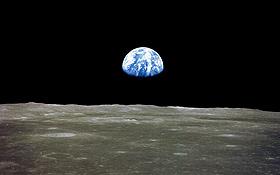 """Vom Mond aus sieht man die Erde als """"blaue Kugel"""". Die chinesische Mauer lässt sich aus dieser Entfernung nicht erkennen.<BR> Bild: NASA"""