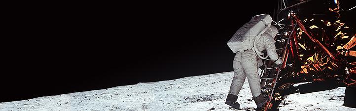 Manche glauben immer noch, dass die Mondlandungen ein gigantisches Täuschungsmanöver waren. Das ist einer der großen Irrtümer zum Thema Raumfahrt. Tatsache ist: Die Astronauten sind auf dem Mond gelandet! Bild: NASA