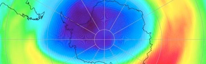 Darstellung der Ozonschicht. Die Farben geben an, wo viel oder wenig Ozon vorhanden ist. Bild: DLR