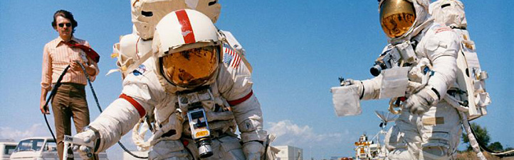 Die Apollo-Flüge zum Mond gehörten zu den Highlights der Raumfahrt-Geschichte. Das Foto zeigt, wie die Astronauten für den Aufenthalt auf dem Mond trainierten. Bild: NASA
