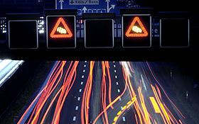 Intelligente Verkehrsführung hilft Staus und Umweltschäden zu vermeiden. Bild: BMU (H.-G. Oed)
