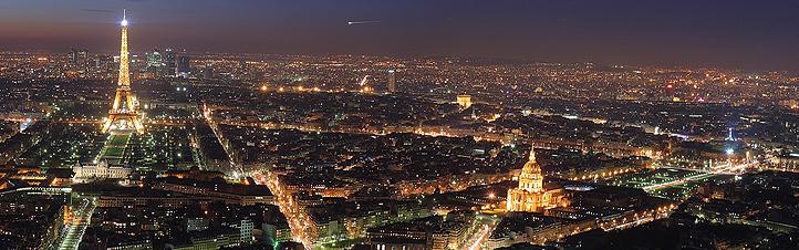Paris schläft nie – wie man bei dieser Nachtaufnahme gut erkennen kann. Auch auf den Straßen ist immer etwas los. Bild: Ben Lieu Song