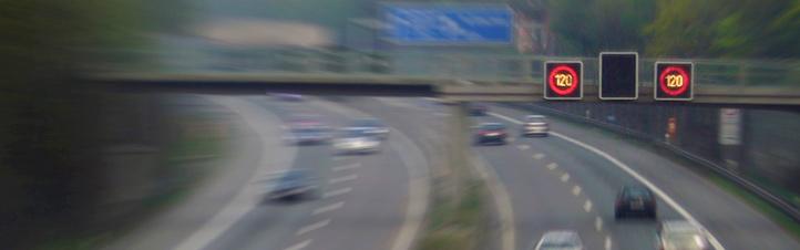 Verkehrsführung aus dem All: Satelliten liefern jederzeit genaue Daten, mit denen die Fachleute den Verkehr besser lenken können. Bild: K.-A.