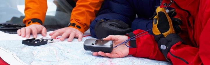 Da geht's lang! Mit einem GPS-Navigationsgerät findet man überall auf der Welt den richtigen Weg – auch beim Wandern. Bild: Photos.com