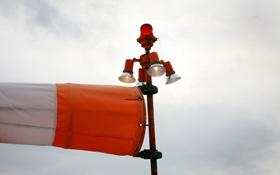 Wind kann man zwar nicht sehen, aber dafür messen – und seine Kraft für die Stromerzeugung nutzen. Bild: Photos.com
