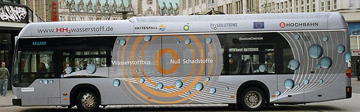 In Hamburg fahren ganz besonbdere Busse durch die Stadt – völlig abgasfrei! Bild: Hochbahn