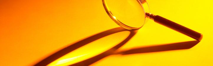 Wenn die Sonnenstrahlen auf einen Punkt gebündelt werden, kann man die enorme Energie nutzen. Bild: Photos.com