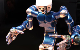 Ein DLR-Roboter in Aktion. Die Weltraum-Robotik und ihre irdischen Anwendungen sind eines der vielen spannenden Forschungsthemen im DLR. Bild: DLR
