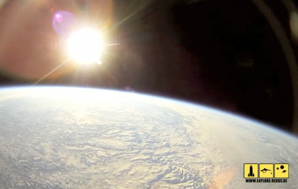 7_26_Als ob du selbst ins All fliegst: cooles Raketen-Video!