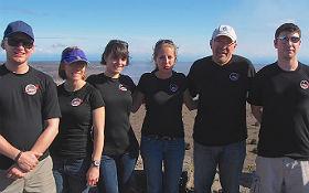 Lucie Poulet (Dritte von links) mit ihrer Crew. Bild: Ross Lockwood