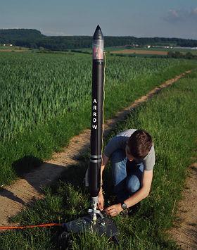 Sicherheits-Check vor dem Start: Prinzipien aus der Raumfahrt finden auch bei Wasserraketen Anwendung. Bild: Raketfued