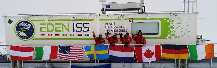 Das Gewächshaus bei Ankunft in der Antarktis. Bild: DLR (CC-BY 3.0)
