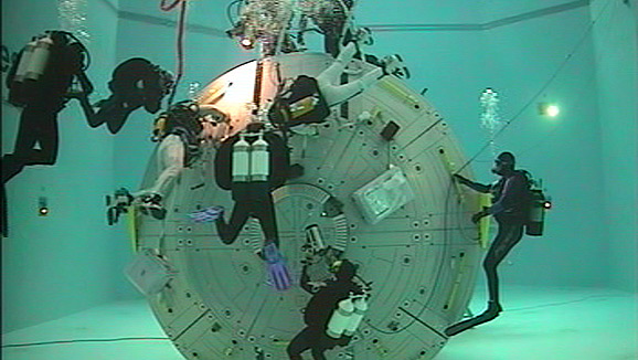 Video: A simulated trip into space