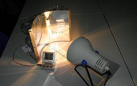 Um die Funktionsweise solarthermischer Kraftwerke zu erleben, muss niemand nach Griechenland oder Spanien. Es reicht eine Reise ins DLR_School_Lab Berlin. Bild: DLR (CC-BY 3.0)