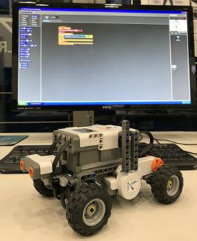 Programmiere selbst ein Fahrerassistenzsystem und teste es! Bild: DLR