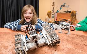Mars-Rover – Roboter selbst bauen und programmieren. Bild: DLR