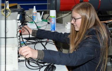 Dlrschoollab Girlsday Im Dlr Wissenschaft Zum Anfassen