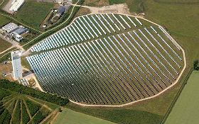 Solarkraftwerk des DLR in Jülich – CO2-neutrale Energiegewinnung. Bild: © DLR