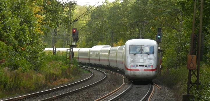 Signalsteuerung auf der Strecke. Bild: DLR (CC-BY 3.0).