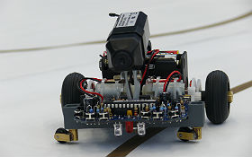 Robotics – just one of many interesting topics offered at DLR_School_Lab. Credit: DLR (CC-BY 3.0)
