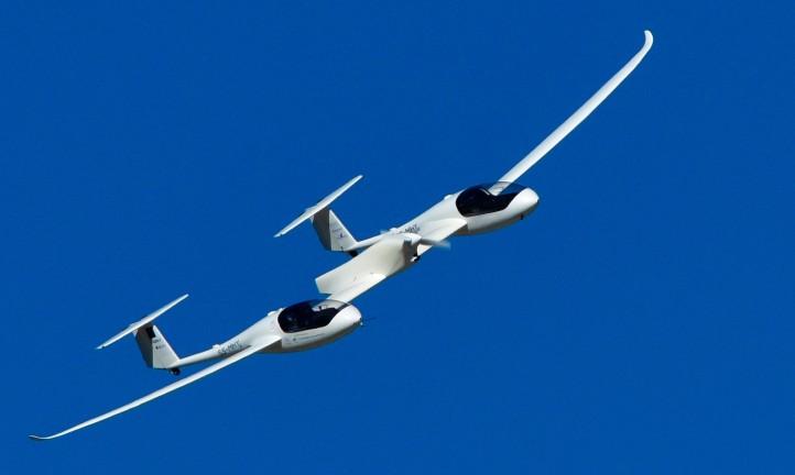 Das Bild zeigt einen ungewöhnlichen Flieger: nämlich ein Testflugzeug des DLR, das nur mit Brennstoffzellen angetrieben wird. Zurzeit wird auch an größeren Maschinen geforscht. Credit: DLR