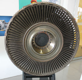 Zum Bestaunen und Anfassen sind bei uns auch Originalteile, wie zum Beispiel diese Niedertruckturbine aus dem Airbus A320. Bild: Technische Sammlungen Dresden