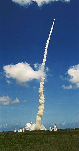 Erfolgreicher Start der Ariane 504. Bild: ESA/CNES/Arianespace-S.Corvaja
